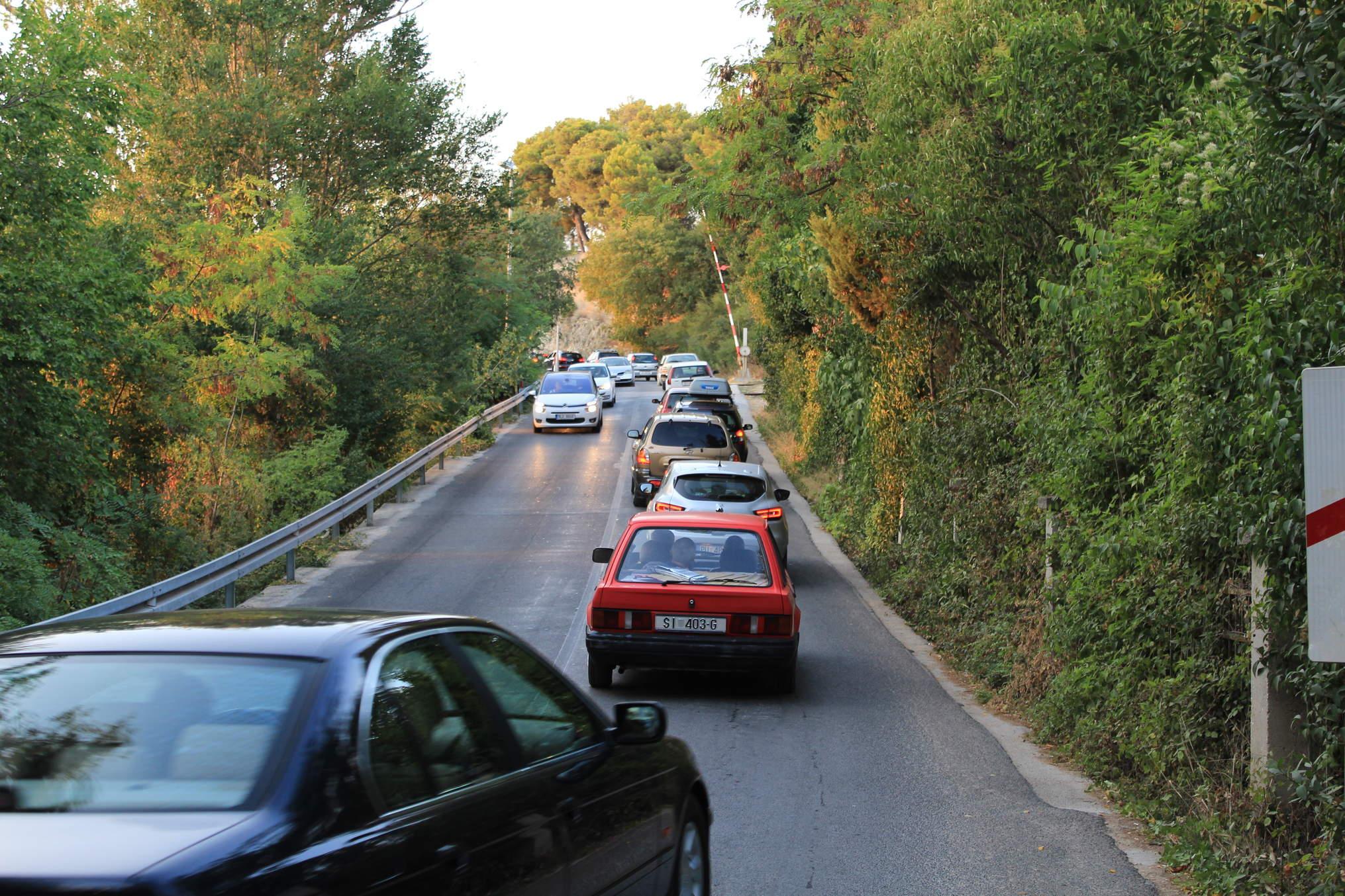 Đir do Mandaline, veli gradonačelnik Burić. Vjerojatno misli autom, ne pješke!