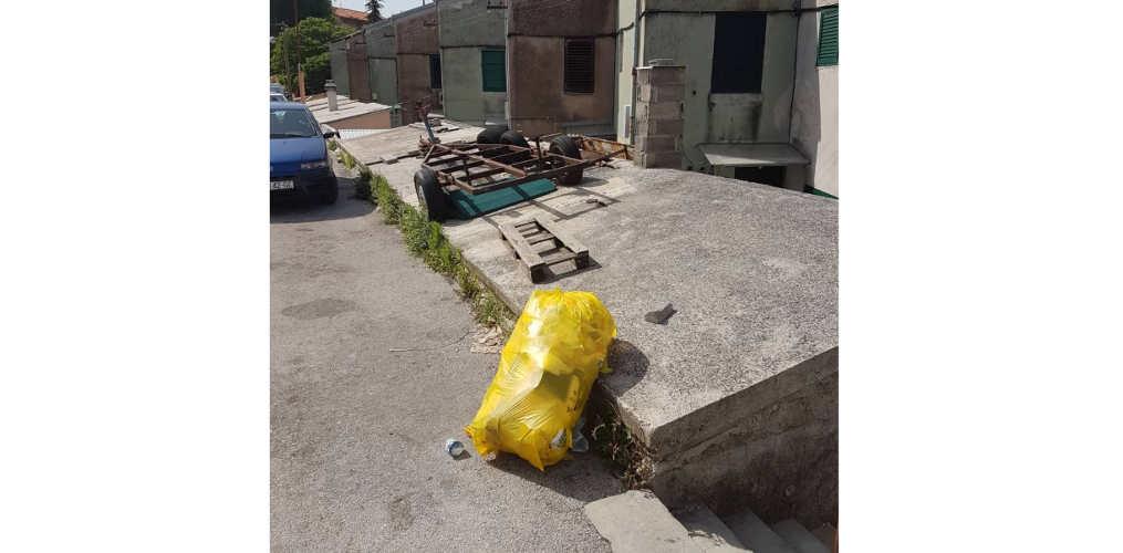 Upravni odjel za komunalne djelatnosti ignorira ostavljanje smeća na ulici, iako se zna počinitelj