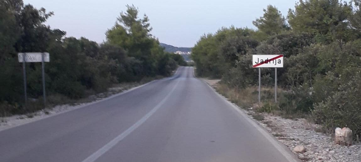 Uporno bacanje smeća na izlazu Jadrije